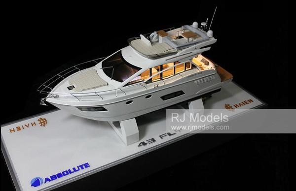 13. Absolute 43 Fly Motor Yacht Model