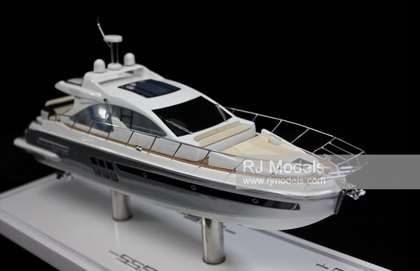 6. Azimut S55 Coupe Yacht
